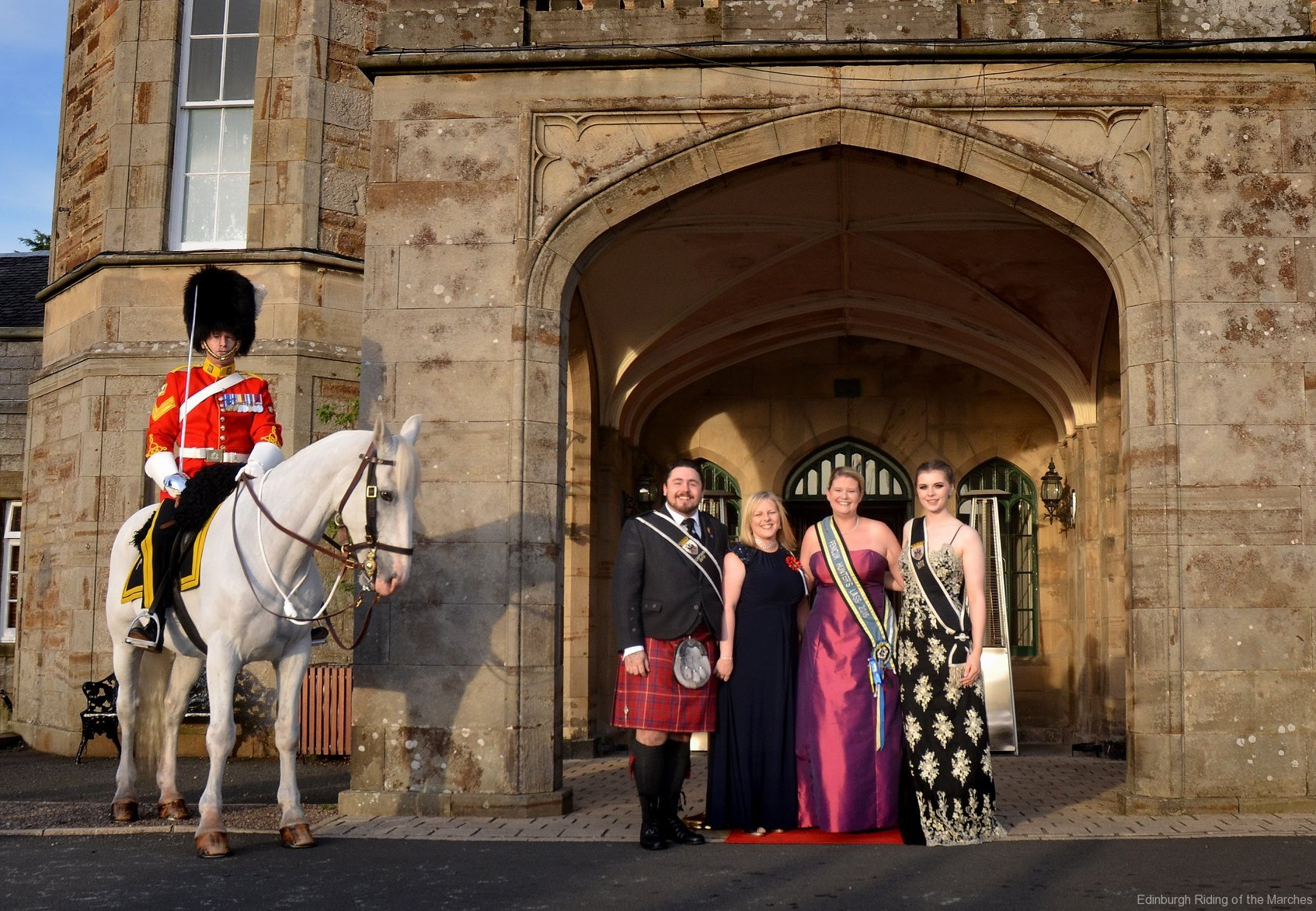 2019 Edinburgh Captain and Lass with guests and mounted officer of Royal Scots Dragoon Guards