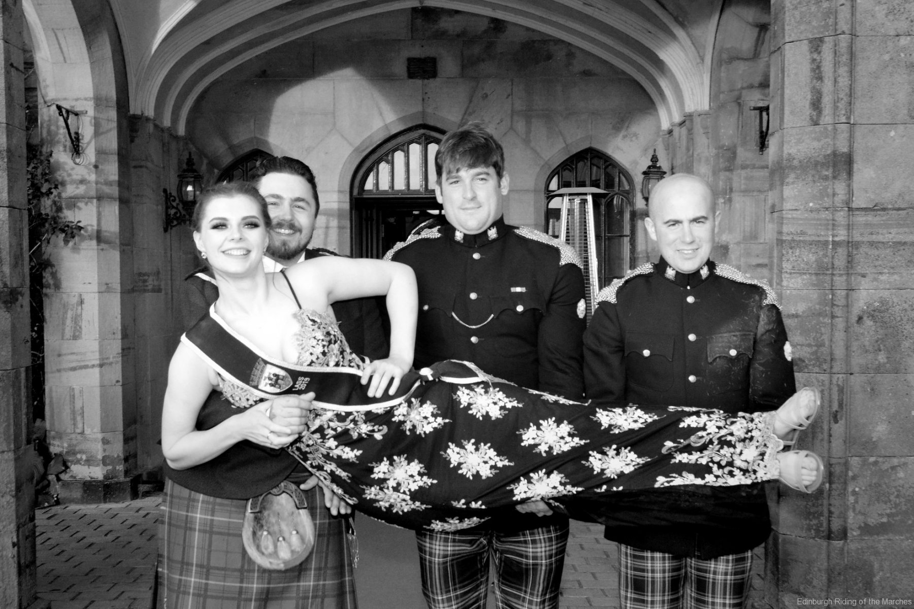 2019 Edinburgh Captain and Lass with officers of Royals Scots Dragoon Guards