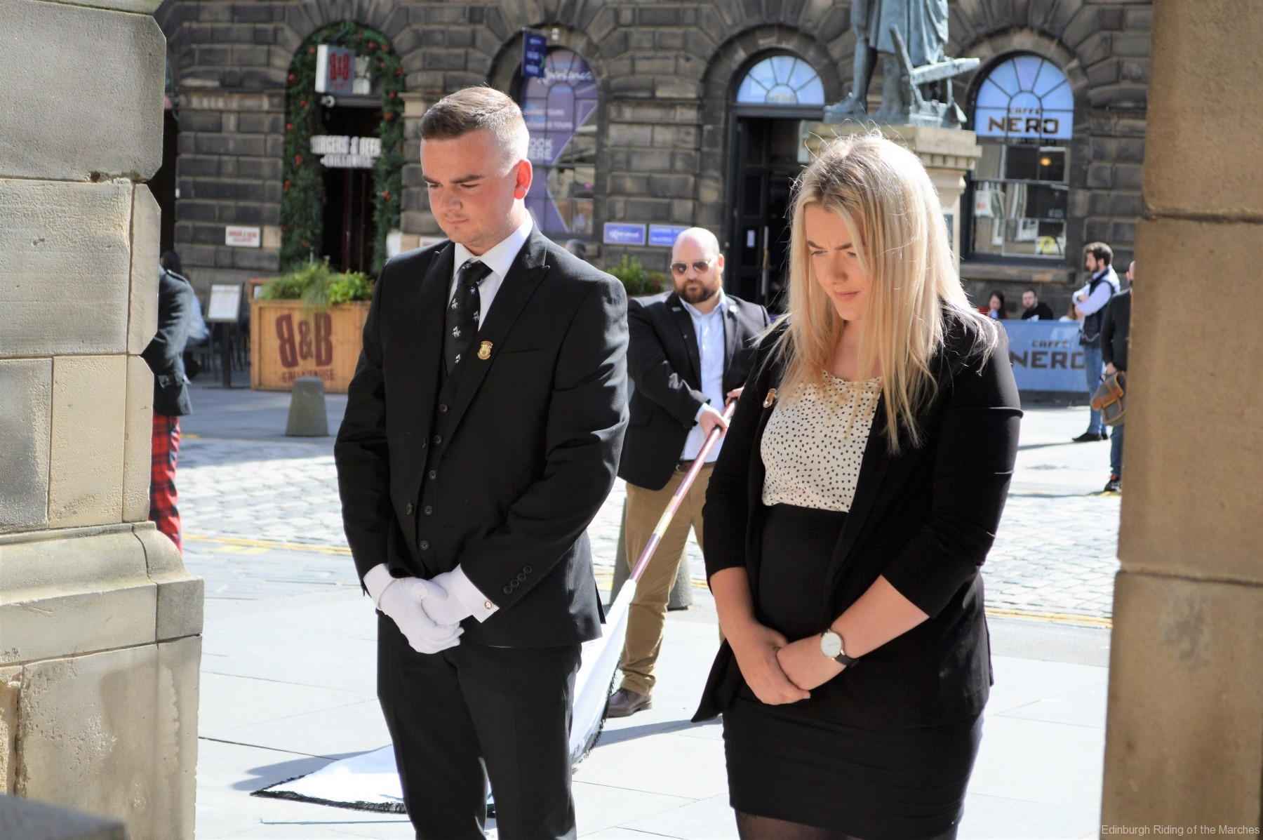 2021 Captain and Lass Elect, Jay Sturgeon and Abbie McDowall lay a wreath at the City Chambers War Memorial
