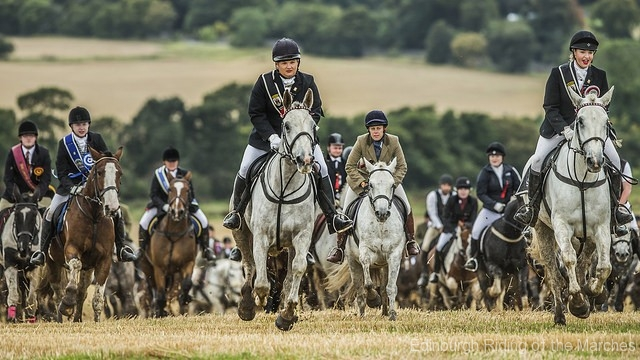 Edinburgh-Riding-of-the-Marches-2017-Captain-Lass-lead-the-horses-photo-by-Phunkt.com_
