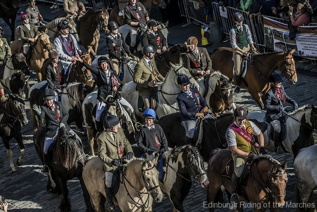 Edinburgh-Riding-of-the-Marches-on-the-Royal-Mile-photo-by-Phunkt.com_