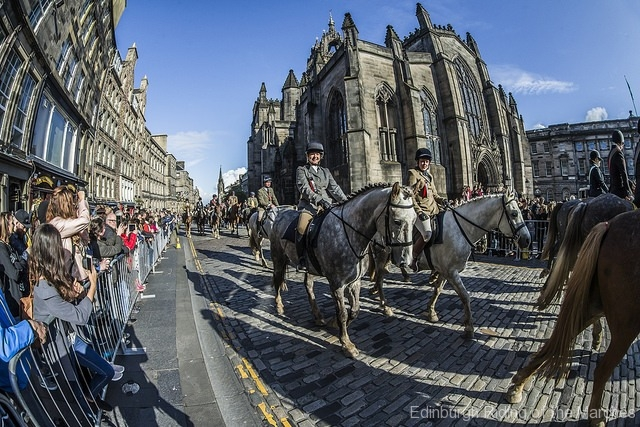 Edinburgh-Riding-of-the-Marches-riders-pass-St-Giles-Cathedral-2-photo-by-Phunkt.com_