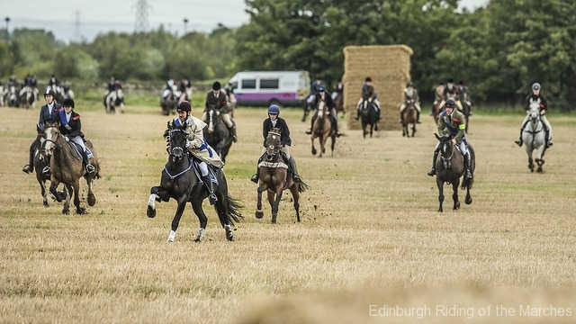 Edinburgh-Riding-of-the-Marches-start-photo-by-Phunkt.com_